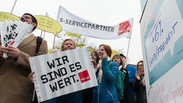 Streikkundgebung der Bankbeschäftigten in Berlin